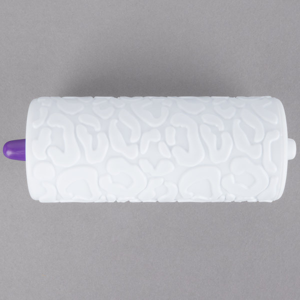 Wilton 1907-1339 Leopard Pattern Fondant / Gum Paste Roller