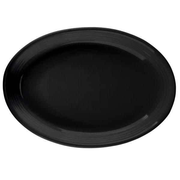 "Tuxton CBH-0962 Concentrix 9 3/4"" x 7"" Black Oval China Coupe Platter - 24/Case"