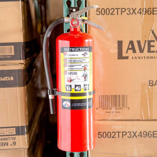 Badger Advantage ADV-10 10 lb. Dry Chemical ABC Fire Extinguisher with Wall Bracket - Untagged and Rechargeable - UL Rating 4-A:60-B:C Main Image 2