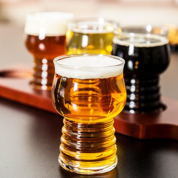 Libbey 5 oz. Cider Glass Beer Flight Set - 4 Glasses with Red-Brown Beer Flight Paddle