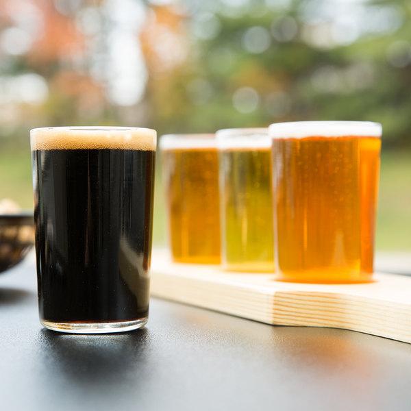 Libbey Craft Brews Beer Flight Set - (4) 5 oz. Glasses with Natural Wood Paddle
