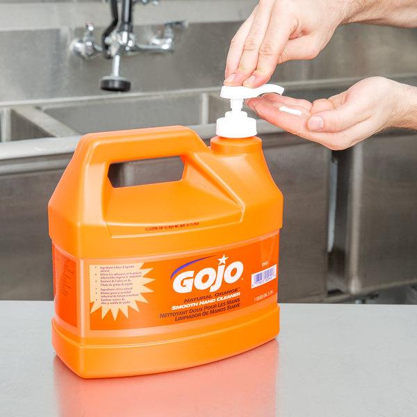 gojo 0945 04 1 gallon natural orange smooth hand cleaner 4 case