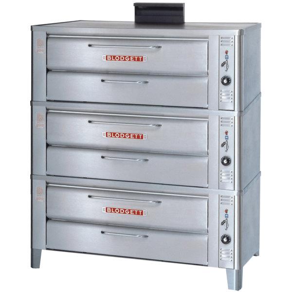 Blodgett 911 Liquid Propane Compact Triple Deck Oven with Draft Diverter - 81,000 BTU