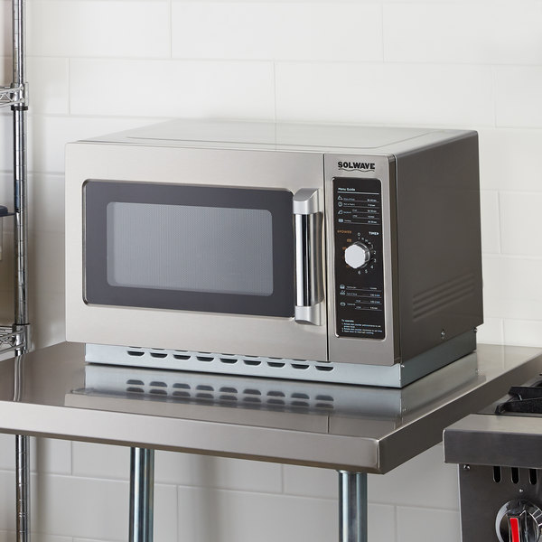 Solwave 1000W Stackable Commercial Microwave with Large 1.2 cu. ft. Interior and Dial Controls - 120V Main Image 3
