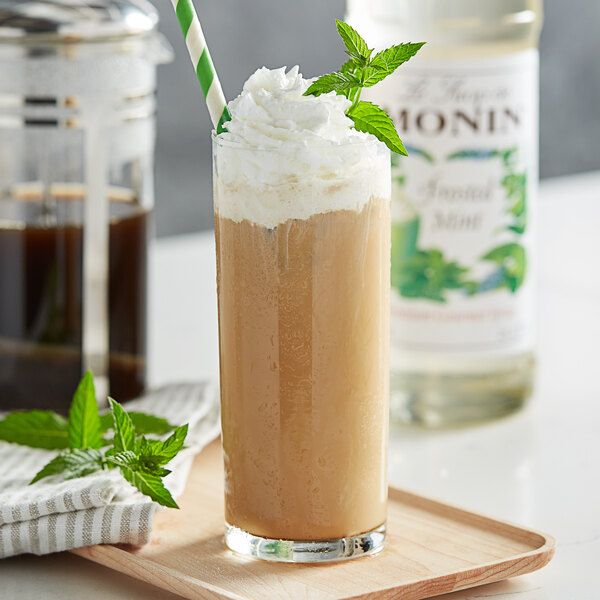 Monin 750 mL Premium Frosted Mint Flavoring Syrup Main Image 2