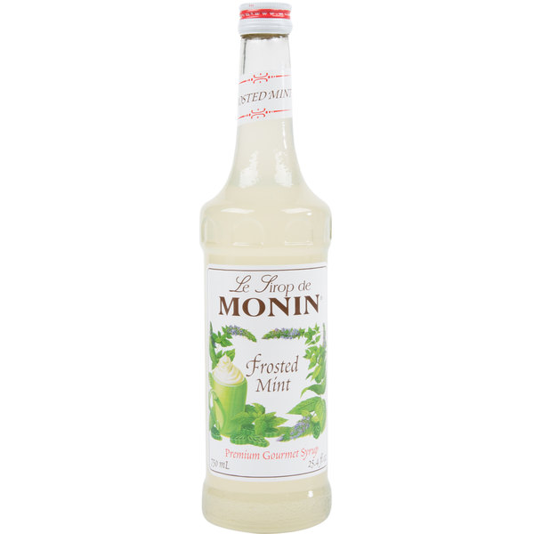 Monin 750 mL Premium Frosted Mint Flavoring Syrup Main Image 1