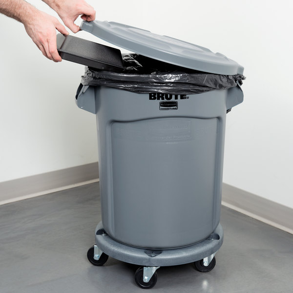 Rubbermaid BRUTE 20 Gallon Gray Round Trash Can, Lid, and Dolly Kit Main Image 4