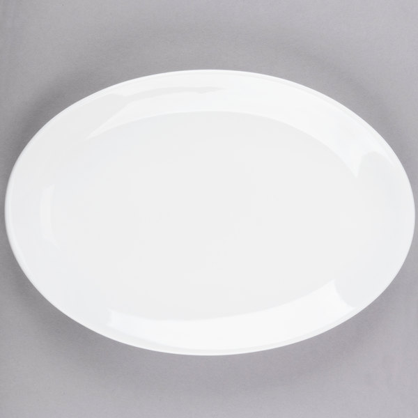 World Tableware 840-520R-24 Porcelana Rolled Edge 11 3/4 inch x 8 inch Bright White Oval Coupe Porcelain Platter - 12/Case