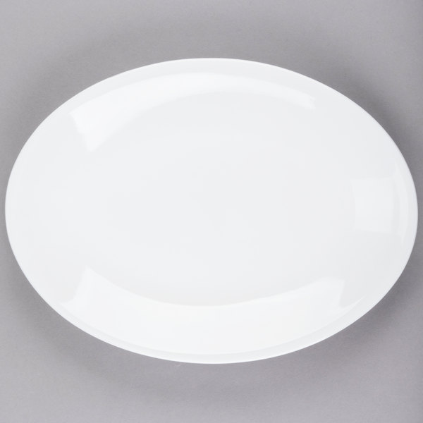 World Tableware 840-530R-30 Porcelana Rolled Edge 13 1/2 inch x 10 inch Bright White Oval Coupe Porcelain Platter - 12/Case