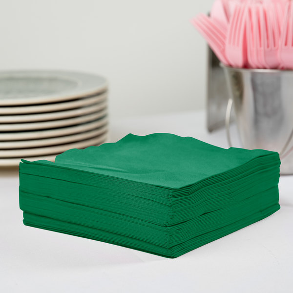 Creative Converting 58112B Emerald Green 3-Ply 1/4 Fold Luncheon Napkin - 50/Pack