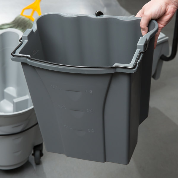 Rubbermaid Commercial Products WaveBrake 18 Qt Dirty Water Mop Bucket