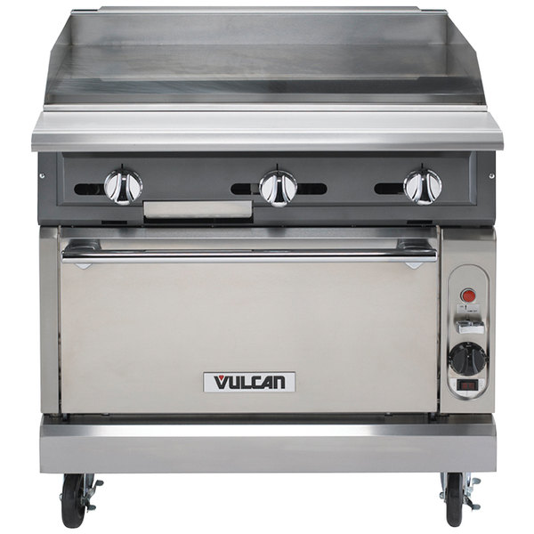 "Vulcan VGMT36S-NAT V Series 36"" Natural Gas Heavy-Duty Thermostatic Range with Griddle Top and Standard Oven - 140,000 BTU"