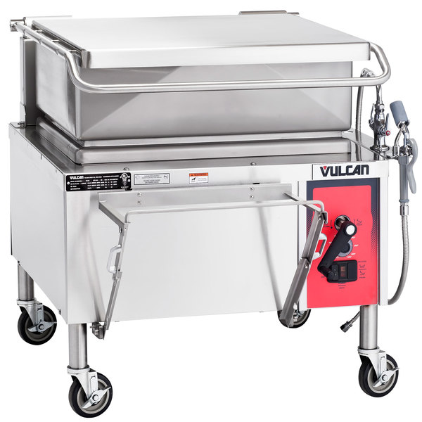 Vulcan VG30-NAT Natural Gas 30 Gallon Manual Tilt Braising Pan / Tilt Skillet - 90,000 BTU