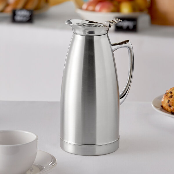 Choice 33 oz. Stainless Steel Thermal Beverage Server Main Image 3