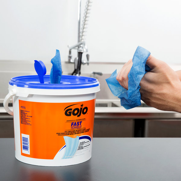 GOJO® 6299-02 Fast Towels Hand Cleaning Wipes 225 Count Bucket