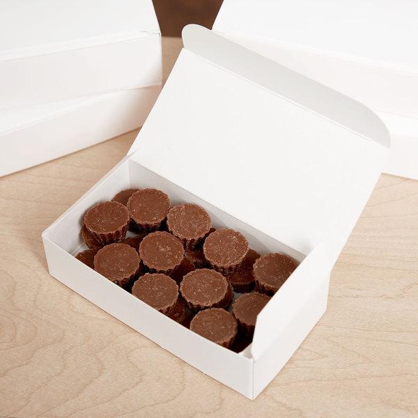 Baker's Mark 1/4 lb. White 1-Piece Candy Box - 250/Case