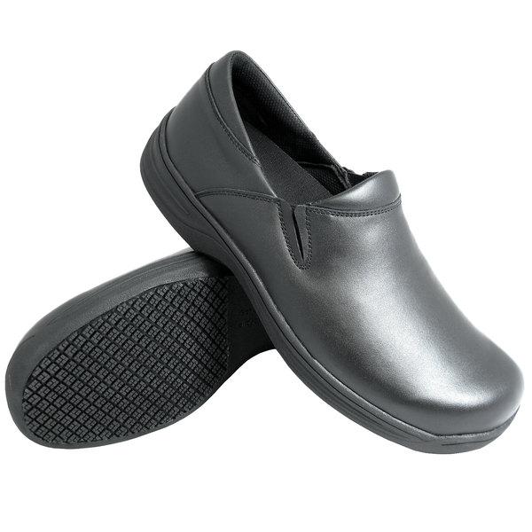 Genuine Grip 4700 Men's Size 7.5 Medium Width Black Ultra Light Non Slip Slip-On Leather Shoe