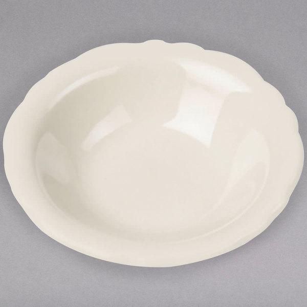 Homer Laughlin by Steelite International HL53100 Carolyn 5.25 oz. Ivory (American White) Scalloped Edge Fruit Dish - 36/Case Main Image 1