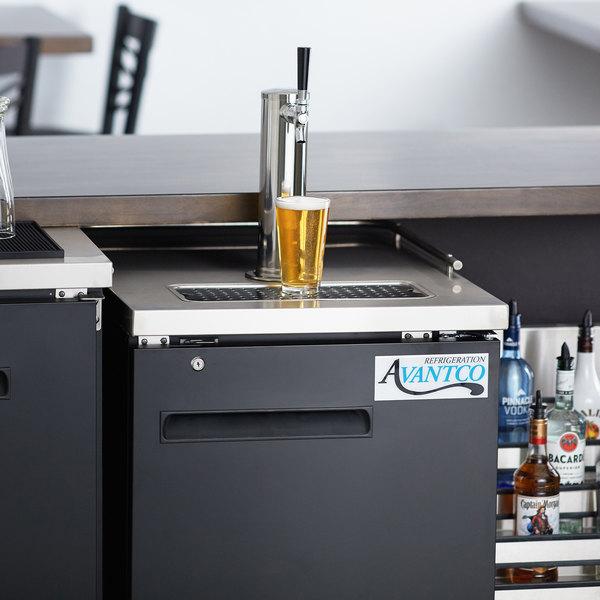 Avantco UDD-1-HC Single Tap Kegerator Beer Dispenser - Black, (1) 1/2 Keg Capacity