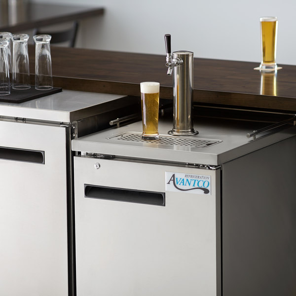 Avantco UDD-1-HC-S Single Tap Kegerator Beer Dispenser - Stainless Steel, (1) 1/2 Keg Capacity