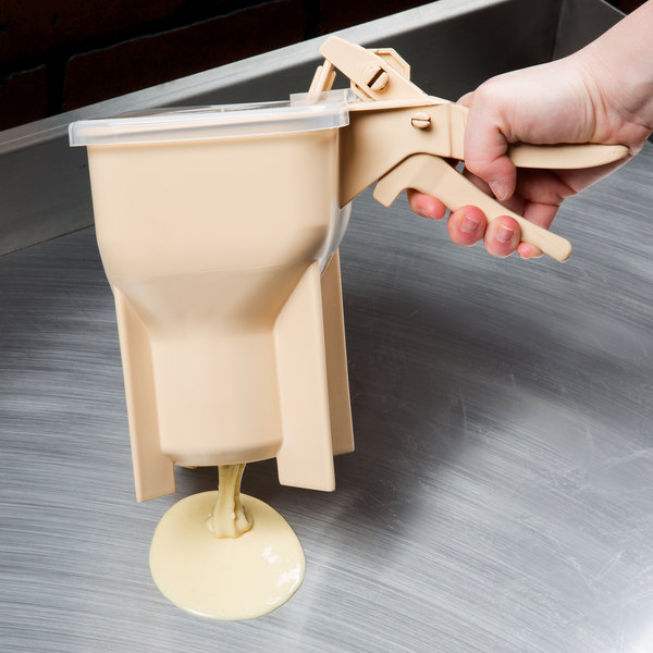 Vollrath 2803-18 Traex Batter Boss 48 oz. Pancake / Waffle Batter Dispenser with Legs