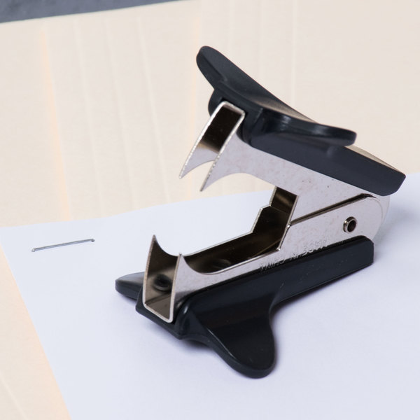 Universal UNV00700 Black Jaw Style Staple Remover