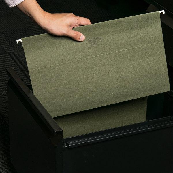 UNV14151 Legal Size Box Bottom Hanging File Folder - 25/Box