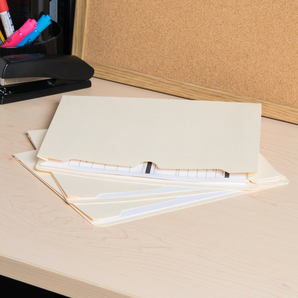 Universal UNV73500 Letter Size File Jacket - 50/Box