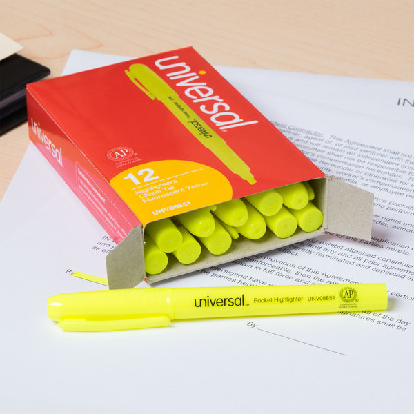 Universal UNV08851 Fluorescent Yellow Chisel Tip Pen Style Highlighter with Pocket Clip - 12/Box