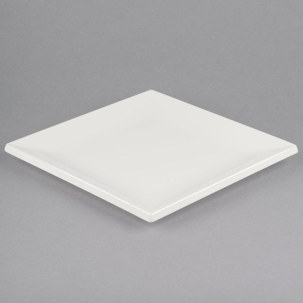 Bring a warm inviting atmosphere to your dining area without sacrificing style with this bone white melamine plate. This plate is modern and efficient ... & Carlisle HAL1102 Halcyon 12