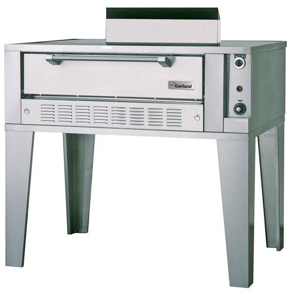 "Garland G2071 Liquid Propane 55 1/4"" Single Deck Pizza Oven - 40,000 BTU"