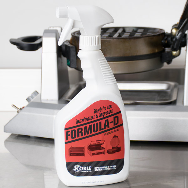 Noble Chemical 1 Qt. / 32 oz. Formula D Ready to Use Decarbonizer and Degreaser