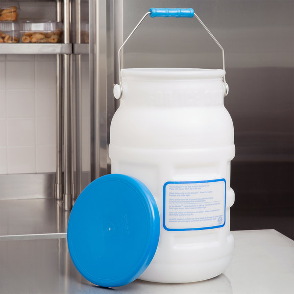 Carlisle 1287502 IceMaster 5 Gallon Ice Tote Kit With Lid And Mounting  Brackets