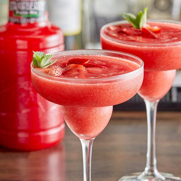 Finest Call 1 Liter Premium Strawberry Puree Mix Main Image 2