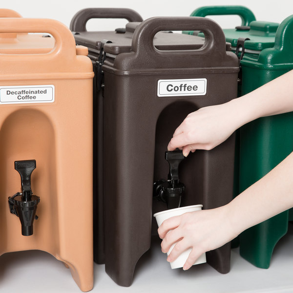 Cambro 250LCD131 Camtainers® 2.5 Gallon Dark Brown Insulated Beverage Dispenser Main Image 5