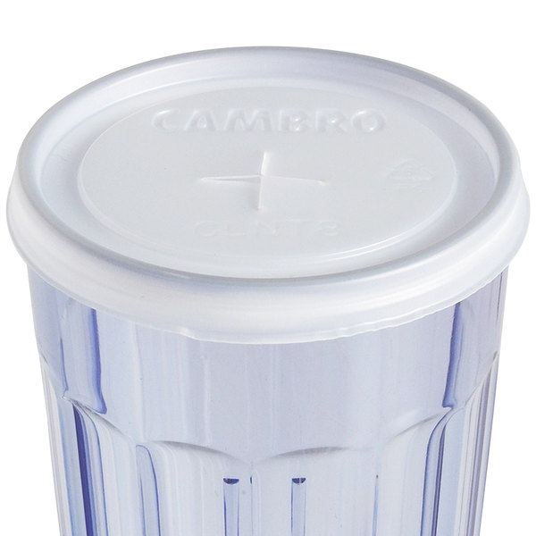 Cambro CLNT8 Disposable Translucent Lid with Straw Slot for Tumblers - 1000/Case
