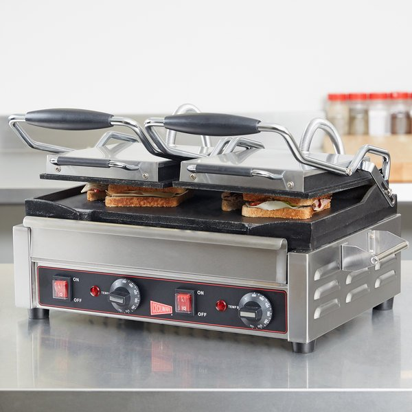 """Cecilware SG2LF Double Panini Sandwich Grill with Flat Grill Surfaces - 14 1/2"""" x 9"""" Cooking Surface - 240V, 3200W"""