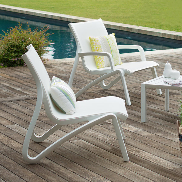 Grosfillex Us001096 Sunset White Glacier White Resin Outdoor Sling Lounge Chair 4 Pack