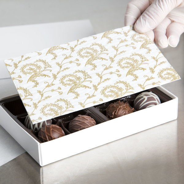 """6 7/8"""" x 4 1/4"""" White 1/2 lb. 3-Ply Glassine Candy Box Pad with Ivory Pattern - 250/Case"""