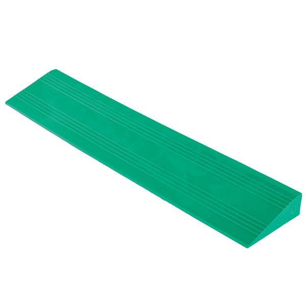 "Cactus Mat 2557-GFCR Poly-Lok 2 1/2"" x 14"" Green Vinyl Interlocking Drainage Floor Tile Corner Ramp with Female End - 3/4"" Thick"