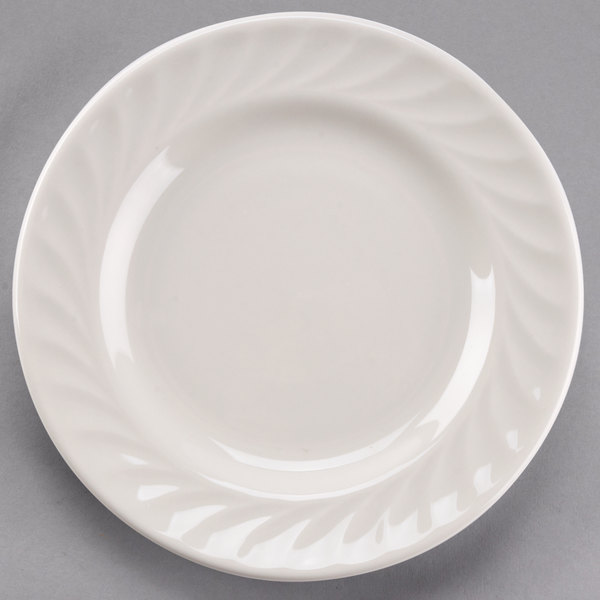 "Tuxton MEA-071 Meridian 7 1/8"" Ivory (American White) Swirl Rim China Plate - 36/Case"