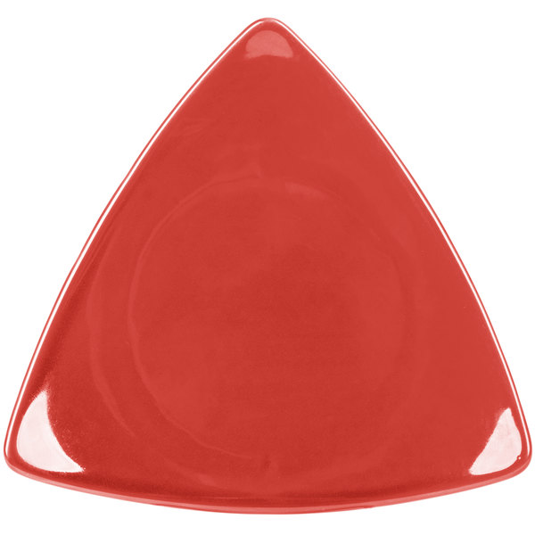 "CAC TRG-23RED Festiware Triangle Flat Plate 12 1/2"" - Red - 12/Case Main Image 1"