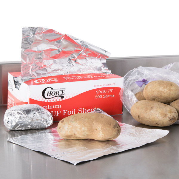 """Box of 500 Sheets Choice 9"""" x 10 3/4"""" Food Service Interfolded Pop-Up Foil Sheets"""