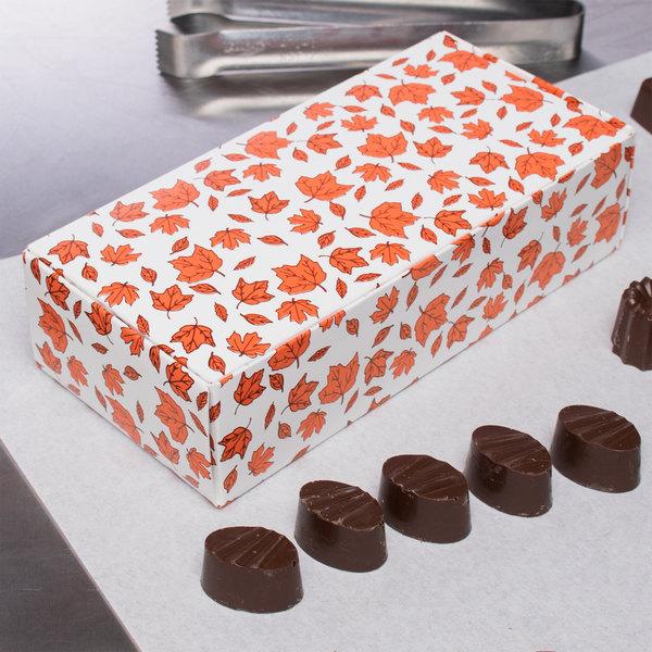 "7 1/8"" x 3 3/8"" x 1 7/8"" 1-Piece 1 lb. Leaf Candy Box - 250/Case Main Image 9"