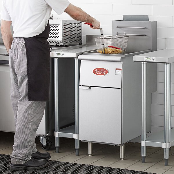 Avantco FF300 Natural Gas 40 lb. Stainless Steel Floor Fryer Main Image 6