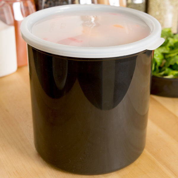Cambro CP27110 2.7 Qt. Black Round Crock with Lid