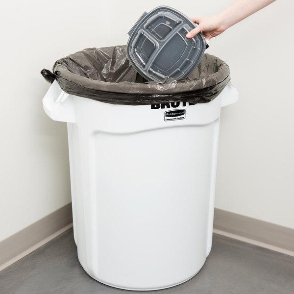 Rubbermaid FG263200WHT BRUTE 32 Gallon White Trash Can