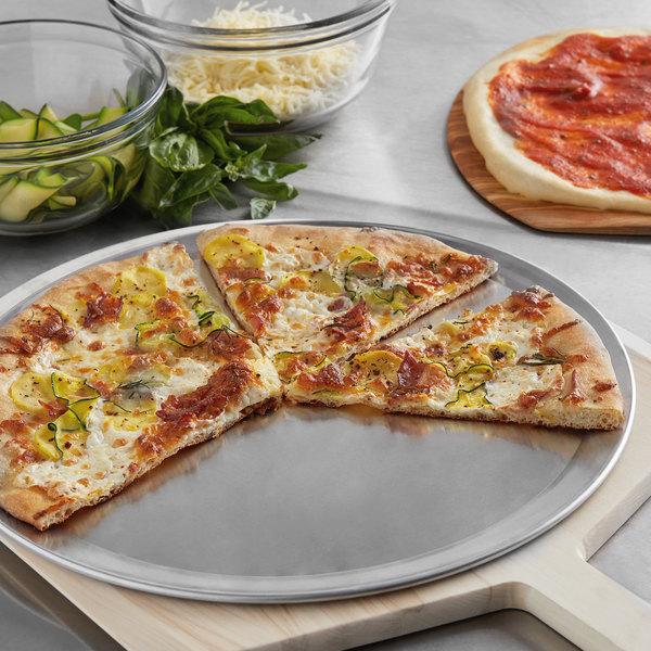 """16"""" Wide Rim Aluminum Pizza Pan Main Image 2"""