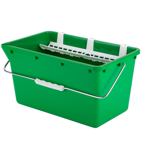 Unger QB120 4.5 Gallon Bucket with Sieve