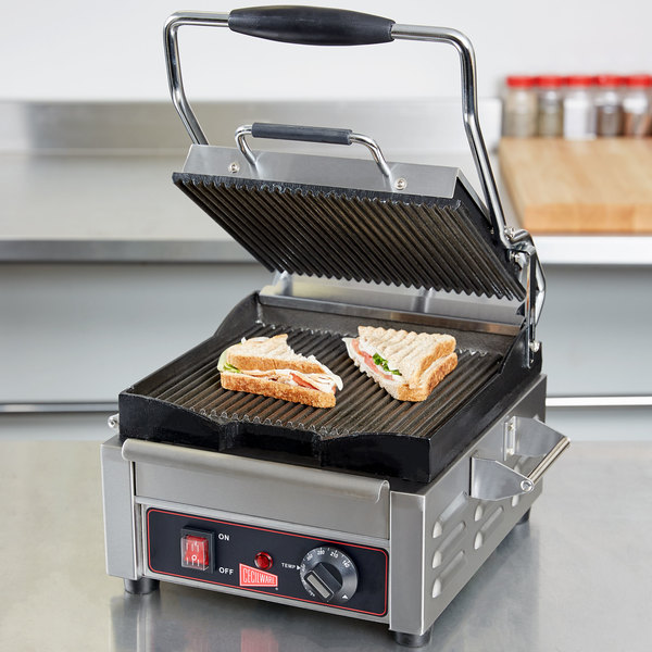 "Cecilware SG1SG Single Panini Sandwich Grill with Grooved Grill Surfaces - 9 5/8"" x 9"" - 120V,1800W"